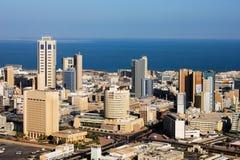 Eine Skylineansicht von Kuwait City Lizenzfreies Stockbild