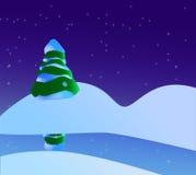 Eine snowy-Weihnachtsszene mit Weihnachtsbaum, Fluss und Sternen Lizenzfreie Stockfotos