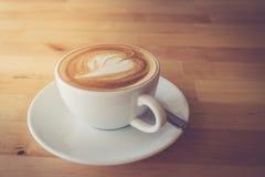 Eine späte Kunst des Tasse Kaffees Stockbilder