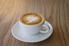 Eine späte Kunst des Tasse Kaffees Stockbild