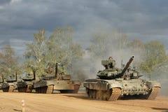 Eine Spalte von gepanzerten Fahrzeugen Stockfotografie