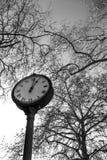 Im altem Stil Uhr Lizenzfreie Stockbilder