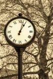 Im altem Stil Uhr Lizenzfreie Stockfotografie
