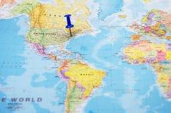 Eine Stadt in den US, markiert auf der Karte der Welt stockfoto