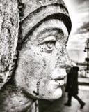 Eine Statue eines Frau ` s Gesichtes in Baku, Aserbaidschan Lizenzfreie Stockfotografie