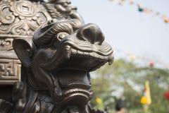 Eine Statue in Vietnams Pagode Stockfotografie
