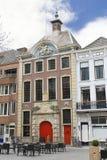 Eine Straße in Breda in den Niederlanden Stockfotos