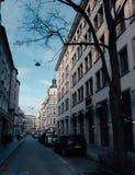 Eine Straße in München-Stadt lizenzfreies stockbild