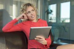 Eine sympathische Geschäftsfrau Lizenzfreies Stockbild