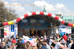 Eine Szene nahe dem Brandenburger Tor Lizenzfreie Stockbilder