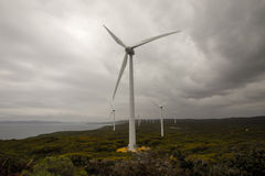 Eine szenische Ansicht von Albanien-Windpark in einem wolkigen Wetter Lizenzfreies Stockbild