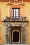 Eine Tür im Alcazar von Sevilla Stockbild