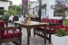Eine Tabelle mit einer Huka Stockbilder
