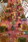 Eine Tabelle stellte für ein elegantes Abendessen, Ojai, Kalifornien ein Lizenzfreies Stockfoto