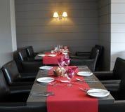 Eine Tabelleneinstellung an der Gaststätte. Stockfoto