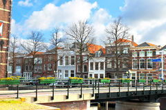 Eine typische holländische Landschaft der Stadt. Lizenzfreies Stockfoto