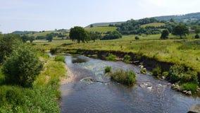 Eine typische Landschaftsszene in England in der Sommerzeit Stockfotografie