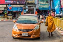 Eine typische Szene in Phuket-Stadt Thailand stockfotografie