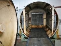 Eine Vakuumkühlungsmaschine für Pilz, Prozessarbeiten durch die schnelle Wasserverdunstung vom Erzeugnis unter Unterdrucksituatio stockfoto