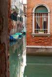 Eine Venicen-Hintergasse Lizenzfreie Stockfotografie