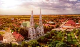 Eine Vogelperspektive der alten Stadt mit alter Kirche Stockbilder