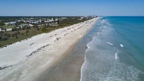 Eine Vogelperspektive des Satellitenstrandes, Florida Stockfoto