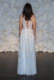 Kleid Fã¼R Brautfer | Eine Vorbildliche Haltung In Isla James Designern Schwimmen Kleid