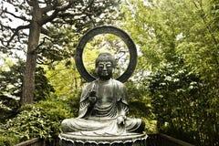 Eine Waldbuddha-Statue Lizenzfreies Stockfoto