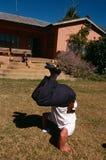 Eine weiße Familie zu Hause in ländlichem Südafrika Stockbild