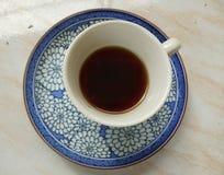 Eine Weinleseschale schwarzer Kaffee Lizenzfreies Stockbild
