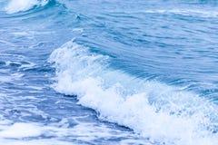 Eine Welle im Ozean Stockfoto