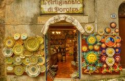 Eine wenig sizilianische Platten-Kunst lizenzfreie stockfotos