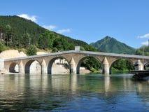 Eine wieder aufgebaute Brücke vom türkischen Zeitraum in der Stadt von Konjic Lizenzfreie Stockbilder
