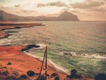 Eine wilde Küste in Sizilien Stockbild