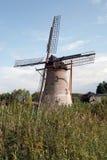 Eine Windmühlenlandschaft in den Niederlanden. Stockfotos