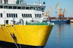In einem Seehafen stockbilder
