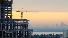 Einen keinen Wolkenkratzer errichten 2 Lizenzfreie Stockfotografie