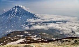 Einer der Vulkane von Kamchatka Vulkane von Kamchatka faszinieren stockfotografie