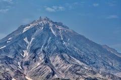 Einer der Vulkane von Kamchatka Vulkane von Kamchatka faszinieren lizenzfreie stockfotos