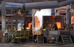 In einer Gießerei arbeiten, Pirdop, Bulgarien, Nov., 5, 2015 Lizenzfreie Stockfotos