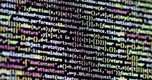 In einer Liste verzeichnen hinunter Programmcode auf Bildschirm stock footage