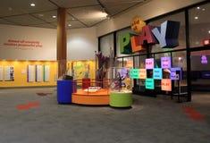 Einer vieler Bereiche gewidmet, um in einem Museum zu spielen eingeweiht der Wissenschaft, starkes Museum, Rochester, NY, 2017 Lizenzfreies Stockfoto