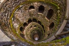 Einführung gut im Schloss Quinta da Regaleira - Sintra Portugal Stockbild