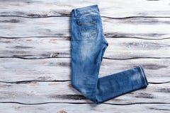 Einfache Blue Jeans Lizenzfreie Stockbilder