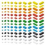 Einfache bunte Ziegelsteine des Kinderziegelstein-Spielzeugs lokalisiert auf weißem Hintergrund lizenzfreie abbildung