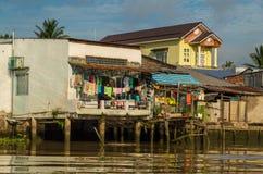 Einfache Häuser im der Mekong-Delta, Vietnam Lizenzfreies Stockfoto