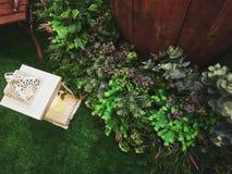 einfache und frische Hochzeitsdekoration Stockfotos