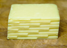 Einfacher Block des Käses zerrieben Lizenzfreies Stockfoto