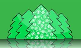 Einfacher Weihnachtsbaum mit Dekorationen von snowflak Stockfoto