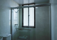 Einfaches Badezimmer Stockfoto